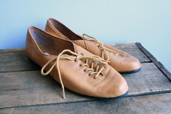 Vintage Chestnut Leather Laced Oxfords