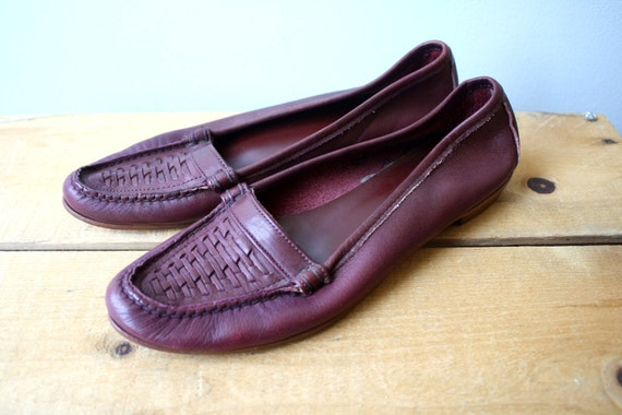 S A L E  Vintage Eggplant Leather Woven Loafers
