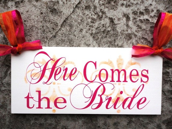 Here Comes the Bride Sign with Mr. & Mrs. Last Name Wedding Signs with Damask.  8 X 16 in. Crisp Paint, 2-sided. Wedding Photo Prop.
