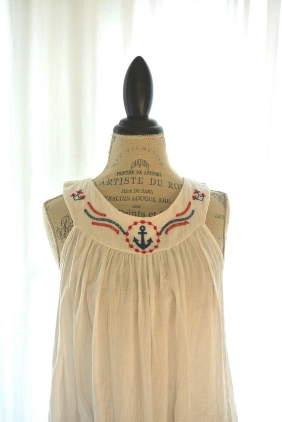 White vintage moo moo dress, retro, hippie chic, boho, bohemian girl, womens dresses, small, 4th of July