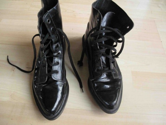 vintage womens dr doc martens black patent leather by