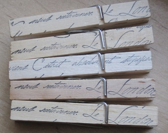 le london french script wood clothes pins set of 5