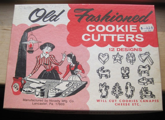 vintage old fashioned cookie cutters 12 designs in original box