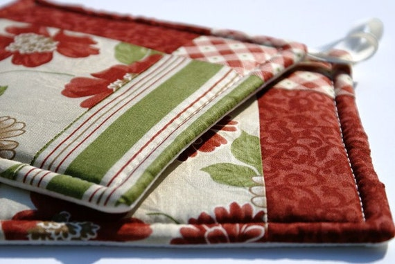 Quilted Potholder Set - Cream, Red, and Green Floral Prints