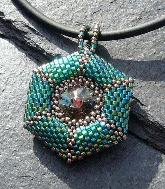 Tortuga (beaded pendant) / PDF file