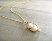 2 Peas in a Pod Necklace in Gold - Choose Your PEARL COLOR - Mom, Mother, Mum, Mother's Day