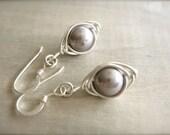 Mauve Pearl Herringbone Earrings