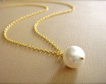 Simple White or Cream Pearl Necklace in Gold