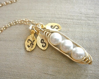 Mini / Tiny Personalized 3 Peas in a Pod wrapped in Gold Filled Wire - Choose your INITIAL and PEARL COLOR - Mother's Day