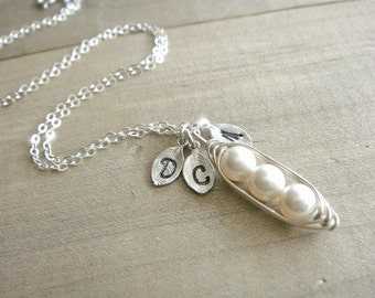 Mini / Tiny Personalized 3 Peas in a Pod wrapped in Sterling Silver - Choose your INITIAL and PEARL COLOR - Mother's Day