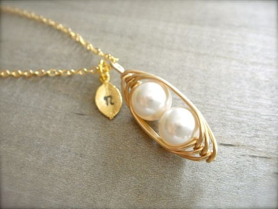 2 White Peas in a Pod in Gold with Personalized Stamped Leaf - Mom, Mum, Mother, Mother's Day