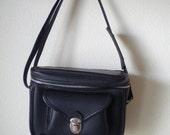 vintage 1960s traveling camera bag