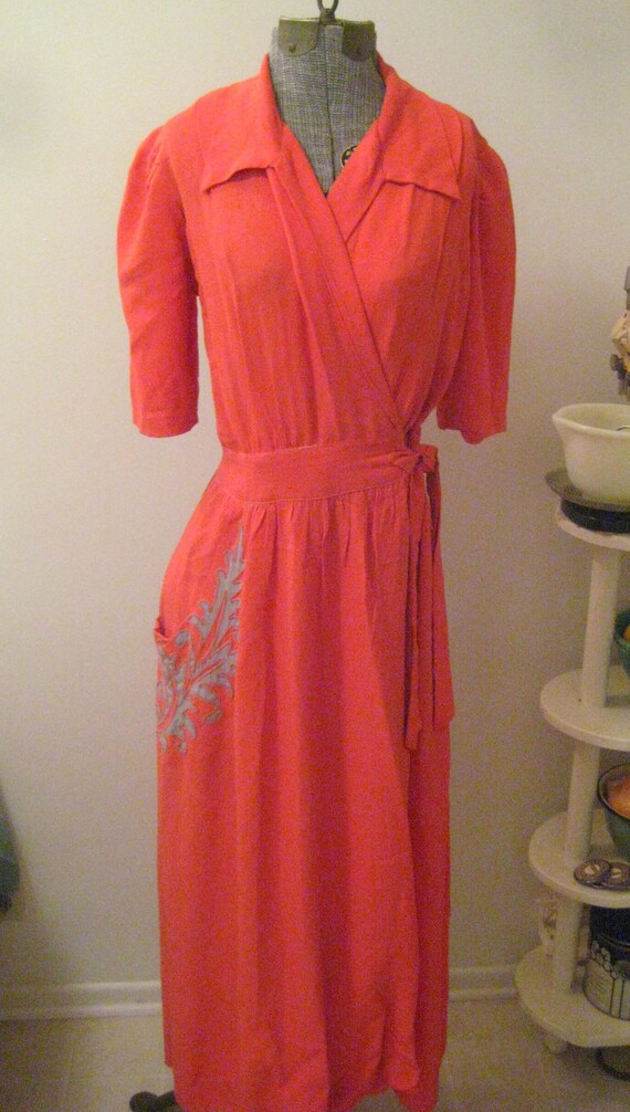 Hollywood By poolside 1930s 1940s Wrap lounge dress