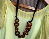 Ribbon N Tortoise Shell Chain Link Statement Necklace no.3