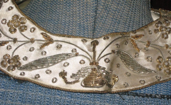Vtg 50s Cream Silk Floral Metal Embroidery Beaded Collar
