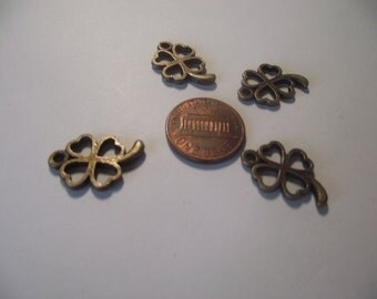 Four Leaf Clover Pendant 4 piece set Bronze/Brass/Gold Component Destash