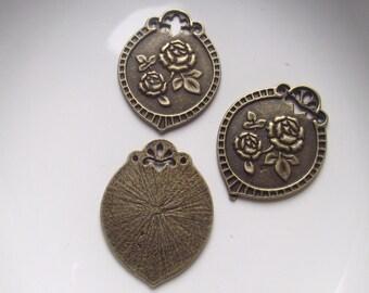Bronze floral pendant Components 3 piece set Bronze/Brass/Gold Component Destash