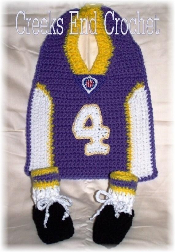 Little Quarterback Football Bib and Bootie Costume Crochet Pattern PDF - INSTANT DOWNLOAD.
