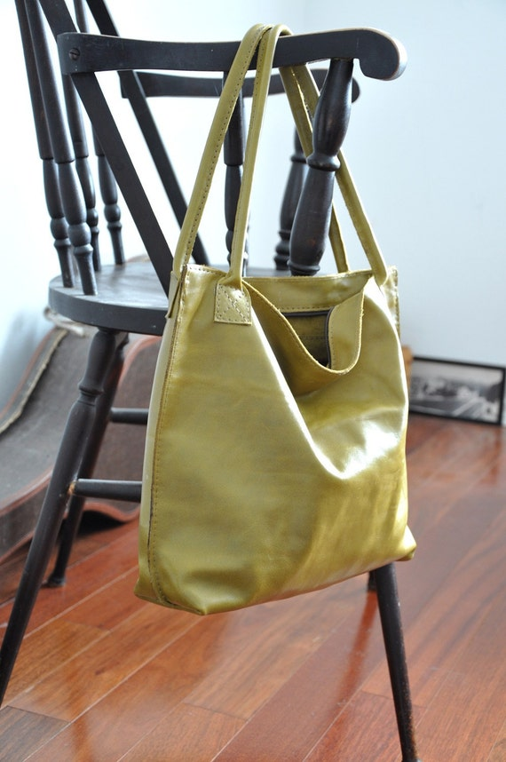 The Emma Tote--Cactus Green Leather Zip Tote