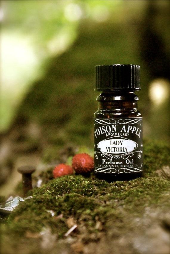 CLEARANCE Artisan Perfume Oil 5ml: LADY VICTORIA tm (vanilla bean, jasmine, light musk)