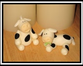 "Handmade Fondant Cow Cupcake\/Cake Toppers 1.5""H x 2""L"