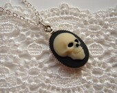 Skull Cameo Necklace -Silver