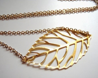 Gold Leaf Necklace,Gold Necklace,Pendant Necklace,Layering Necklace,Necklace,Gold Jewelry,Long Pendant Necklace,Gift for Her,Bridesmaids