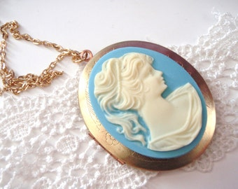Cameo Locket Necklace, Large Locket Necklace, Gold Locket Necklace, Photo Locket, Gift for Mom, Gift for Her