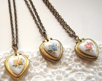 Bridesmaid Gifts Vintage Heart Locket Necklace You Choose the Color Personalized Gift Pink Blue Yellow Roses