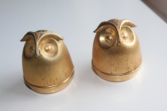 Napier Brass Owl Salt and Pepper Shakers - super adorable