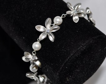 Sparkling Blossom Bracelet with Swarovski Crystal Pearls - Available in Ivory, Cream, Silver, Black, Pink, Purple, Red, Blue, Green, Brown