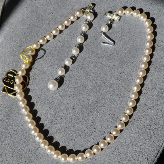 Vintage Laguna Pearl Necklace with Rhinestone Clasp Never Worn with Tag