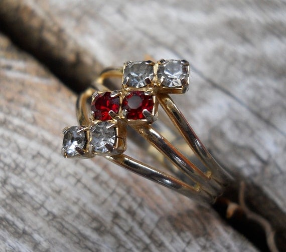 Vintage Faux Diamond and Ruby Ladies Ring adjustable