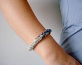 Stunning Beaded Bead Bracelet With a Navy Lizard