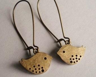 Bird Earrings, Antiqued Brass on Kidney Ear Wires, Sparrow Earrings, Bird Jewelry, Dangle Earrings, Love Bird Earrings, Nature Jewelry