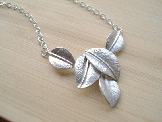 Leaf Necklace, Silver Leaf Necklace, Fall Jewelry, Autumn Necklace, Pendant Necklace, Fall Leaves Jewelry, Minimalist Jewelry, Petite