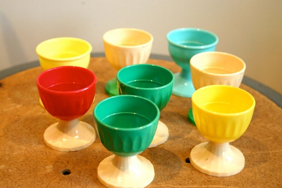 Vintage Plastic Egg Cups in Green Metal Tin
