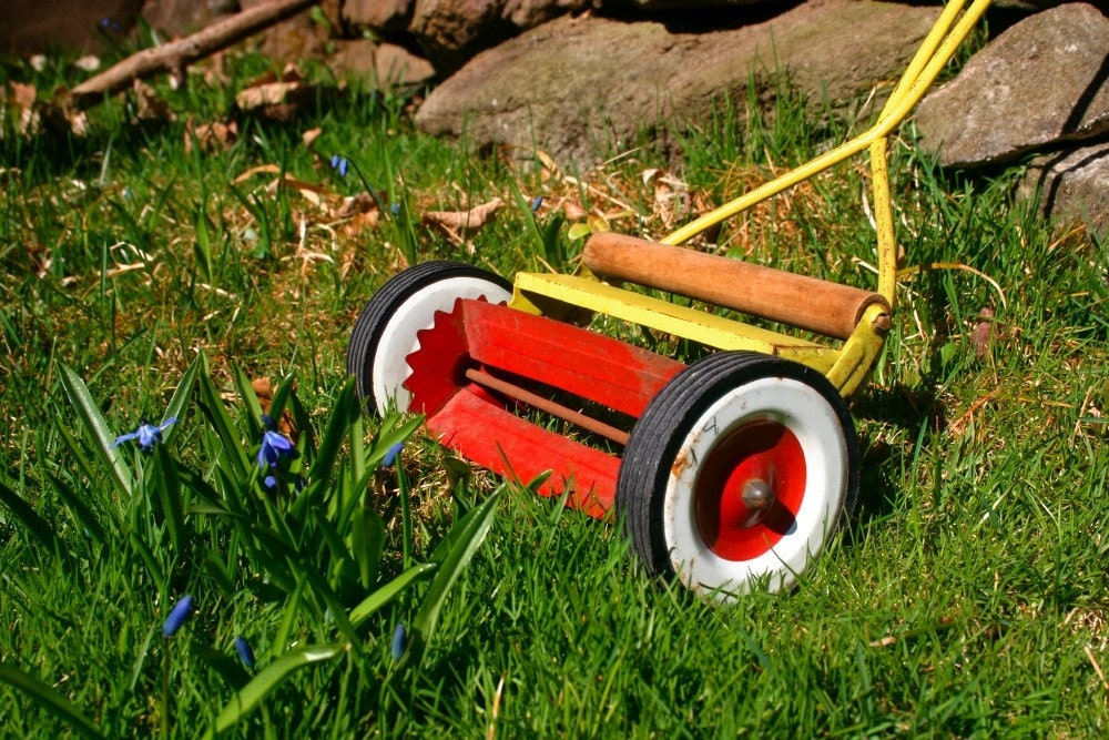 Fun vintage toy lawn mower by camphobachee on etsy