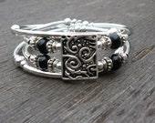 Memory wire silver wrap beaded bracelet - Joolry