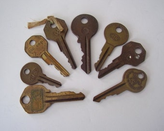 Vintage Brass Keys 8 Pc.