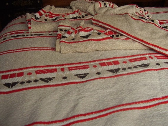 Vintage Twin  Bates Bedspread and Drapes Shield Pattern