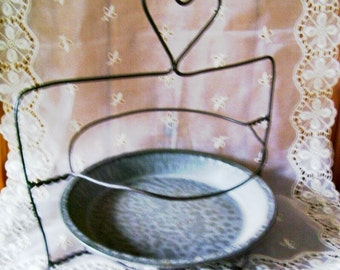 Wire Pie Rack Holder Two Tiers Heart Top Primitive Rustic Kitchen Collectible