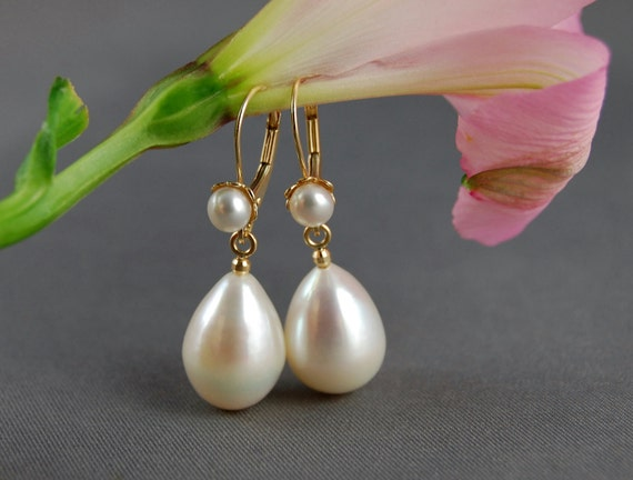 Aspen- the large, glamorus, perfect wedding, ivory teardrop pearl dangle earrings set in solid 14kt yellow gold - not plated