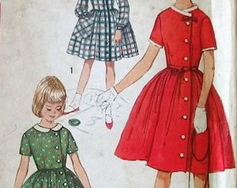 Simplicity Vintage Pattern 4063 1960s Girls Dress Breast 30