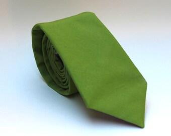 Men's Tie - Peridot Solid Green - Grass Green Necktie