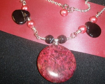 Gemstone necklace - Pink Jasper and black onyx with earrings