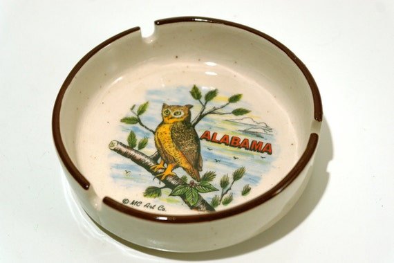 SALE///  Vintage Americana Owl Alabama Souvenir Ashtray