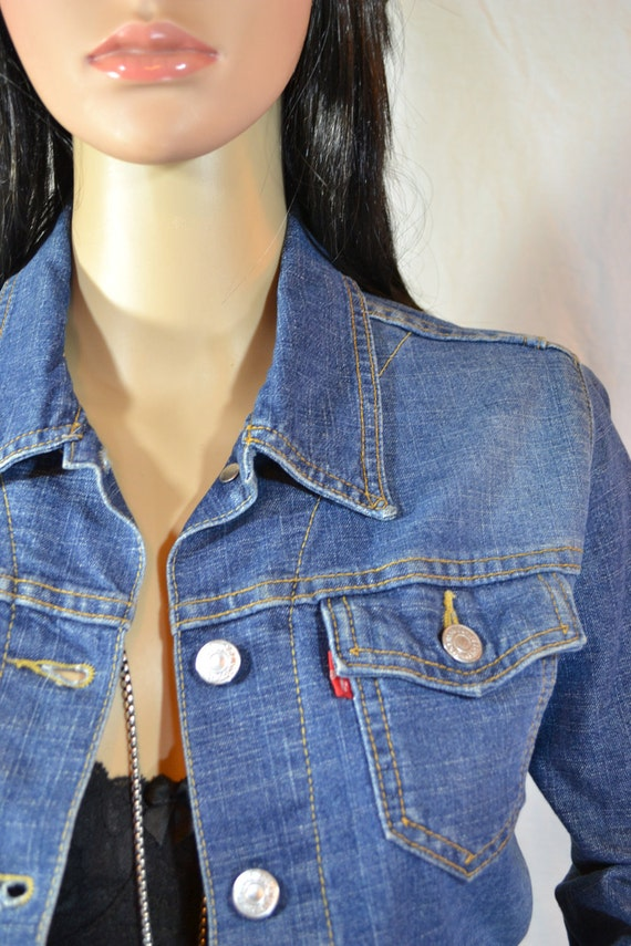 LEVI Denim JEAN JACKET size small stretchy
