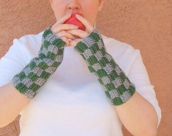 Checkered Dark Green and Grey Fingerless Gloves for Men or Women - Crochet, Checker Arm Warmers, Fingerless Mittens, Fingerless Gloves