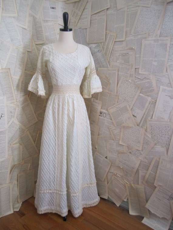 Vintage Off White Lace Mexican Wedding Dress By